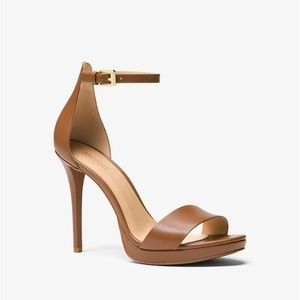 MICHAEL KORS Hutton Leather Sandal✨Brand New!